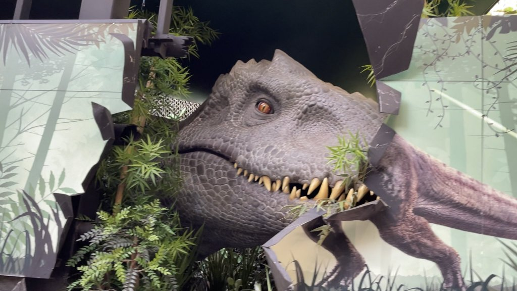 Jurassic World The Ride Soft Opens With New Indominus At Universal Studios Hollywood